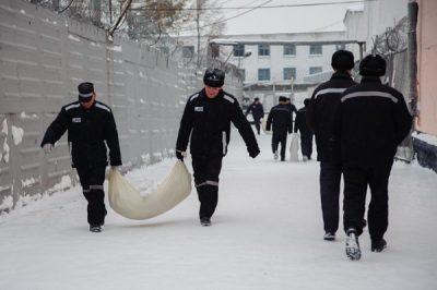 В Кемерове вдвое увеличат число осуждённых, привлекаемых к уборке снега