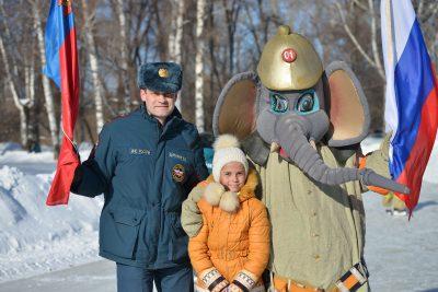 В Новокузнецке Слон Тушила принял участие в пожарно-спасательных гуляниях