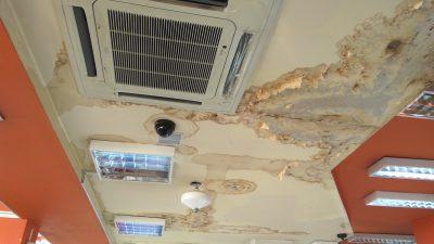 Кровлю кемеровской «Коры» продырявили окурками и кроватью