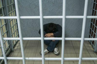 Кемеровчанина арестовали на шесть суток за репост со свастикой