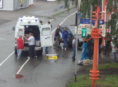 В Кемерове автомобилист пытался избежать столкновения с авто и сбил женщину