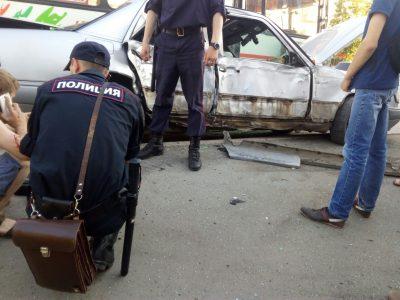 В ГИБДД рассказали подробности ДТП с участием Mercedes и маршрутки в Кемерове
