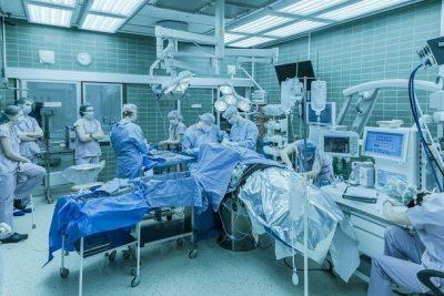 В Кузбассе медики впервые провели процедуру тромбоэкстракции