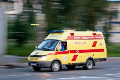 В Кузбассе в лобовом ДТП пострадали водитель Toyota и его 13-летний пассажир