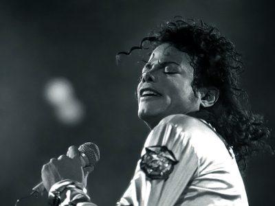 Среди покойных знаменитостей Майкл Джексон заработал больше всех