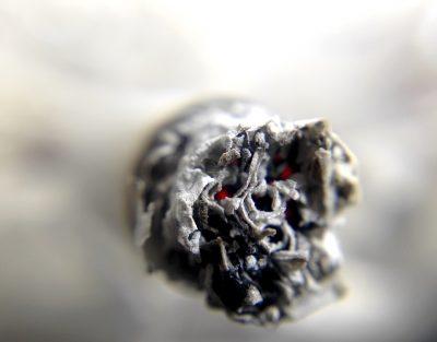 В Госдуме предложили сократить некурящим сотрудникам рабочую неделю