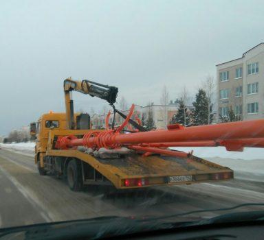В Кемерове на Лесной Поляне устанавливают новый светофор