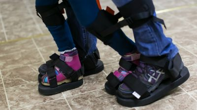 В столице Кузбасса появился экзокостюм для детей с ДЦП