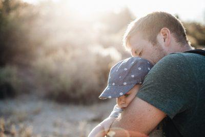 Учёные назвали отцовство причиной преждевременной смерти