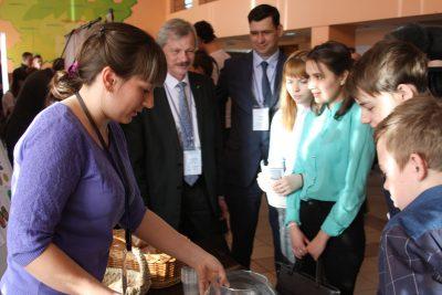 В Кузбассе сельчанам бесплатно показали фильм «Время первых»