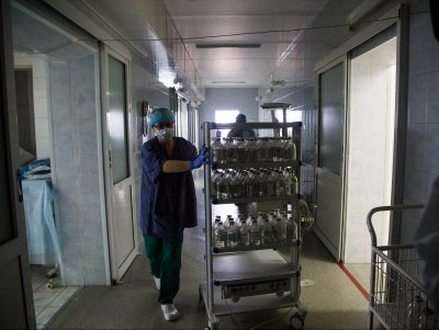 В 2017 году россияне доплатили в государственных больницах почти 600 млрд рублей