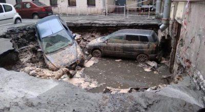 В Петербурге при прорыве трубы с горячей водой погибли двое парней