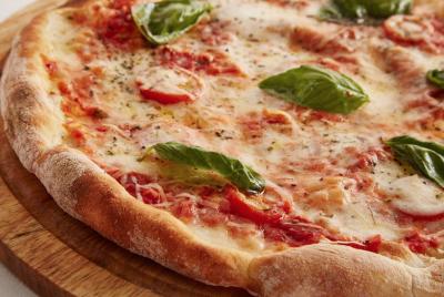 «Вкусняшка» с тараканами и мухами: в Кемерове закрыли доставку пиццы