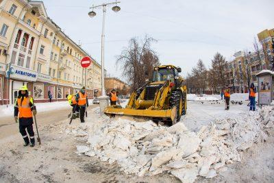 Почти 200 жалоб за сутки получили кемеровские коммунальщики из-за неубранных дорог