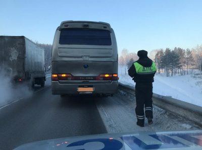 На трассе в -30: в Кузбассе сломался пассажирский автобус