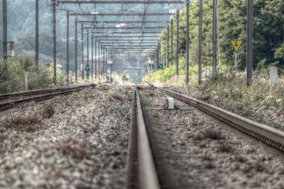 Грузовой поезд сбил женщину в Кузбассе