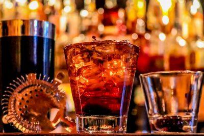 Штраф на миллионы: в известном ночном клубе Кемерова незаконно продавали алкоголь