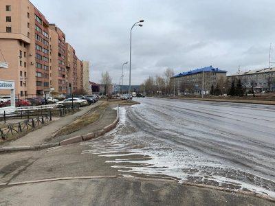 Кемеровские дороги начали отмывать шампунем