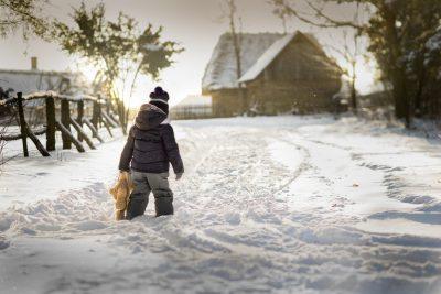 «Я сама!»: в Кузбассе 5-летняя девочка ушла в детский сад без взрослых