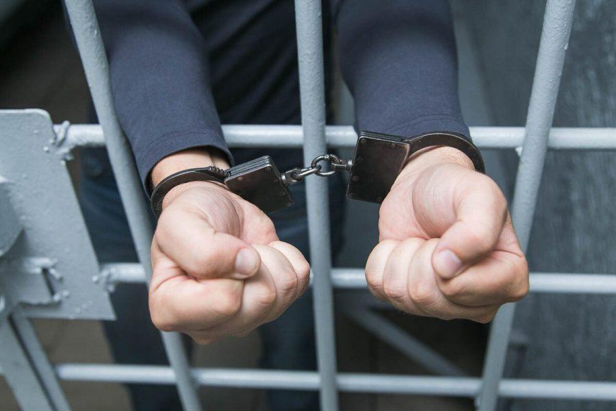 В кузбасском СИЗО осуждённый избил офицера