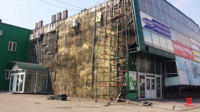 Крупный кузбасский ТЦ начали разбирать после серьёзного пожара