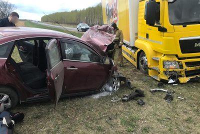 Фото, видео: страшное ДТП с пострадавшим на кузбасской трассе