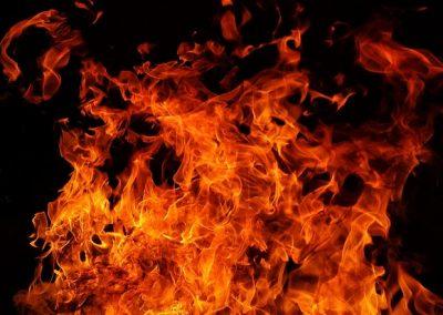 В кузбасском городе загорелся цех