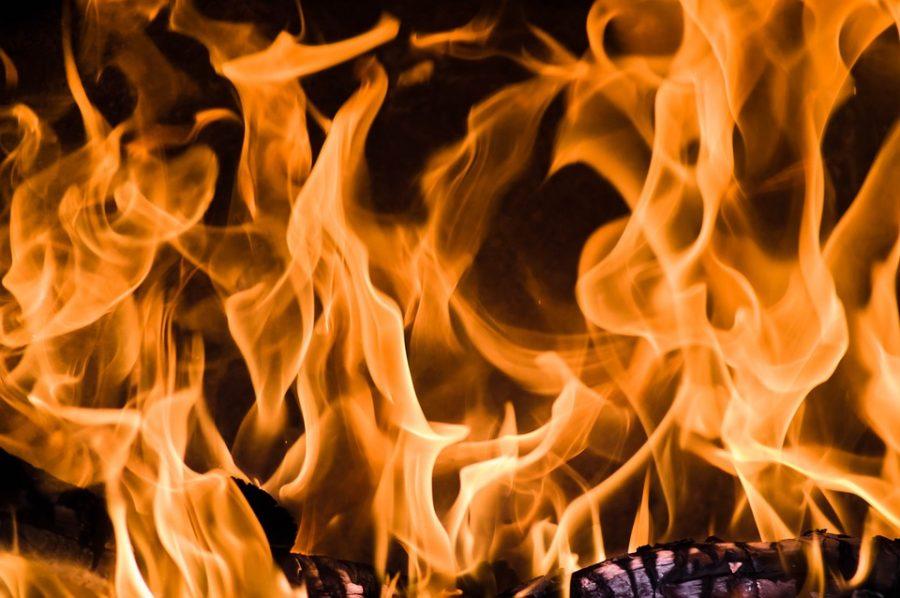 Ещё один крупный пожар в Кузбассе: сгорел столярный цех