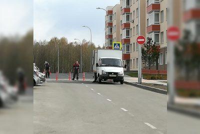 Фото: в Кемерове неожиданно перекрыли оживлённую дорогу