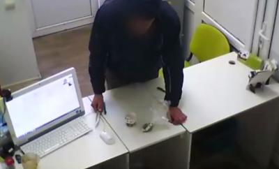 Видео: кемеровский бомж навёл шороху в Калуге и уехал в Самару