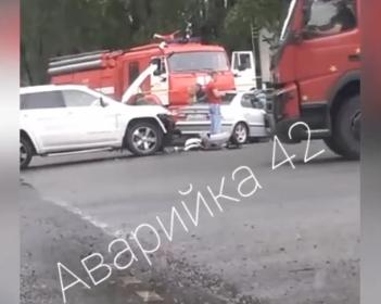 Видео: куда в Кузбассе промчались экстренные службы и ГИБДД?