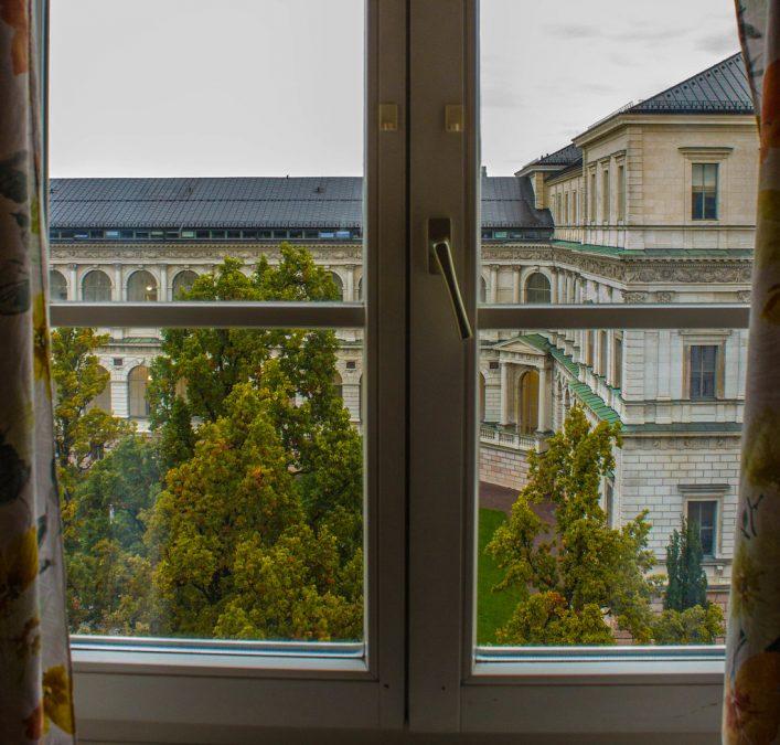 Видео: в Кемерове из окна третьего этажа выпал мальчик