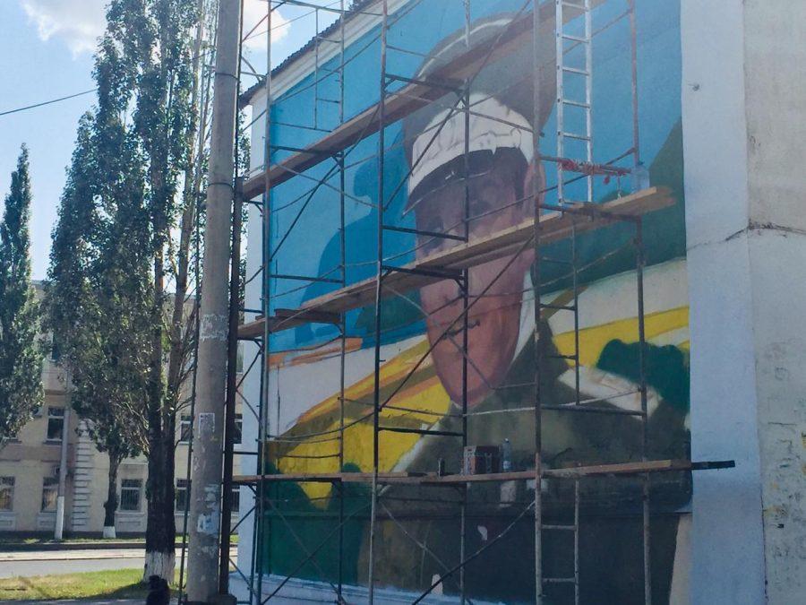 Фото: в Кемерове появится ещё один огромный портрет известной личности