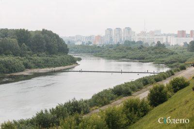 В центре Кемерова наконец-то устанавливают понтонный мост