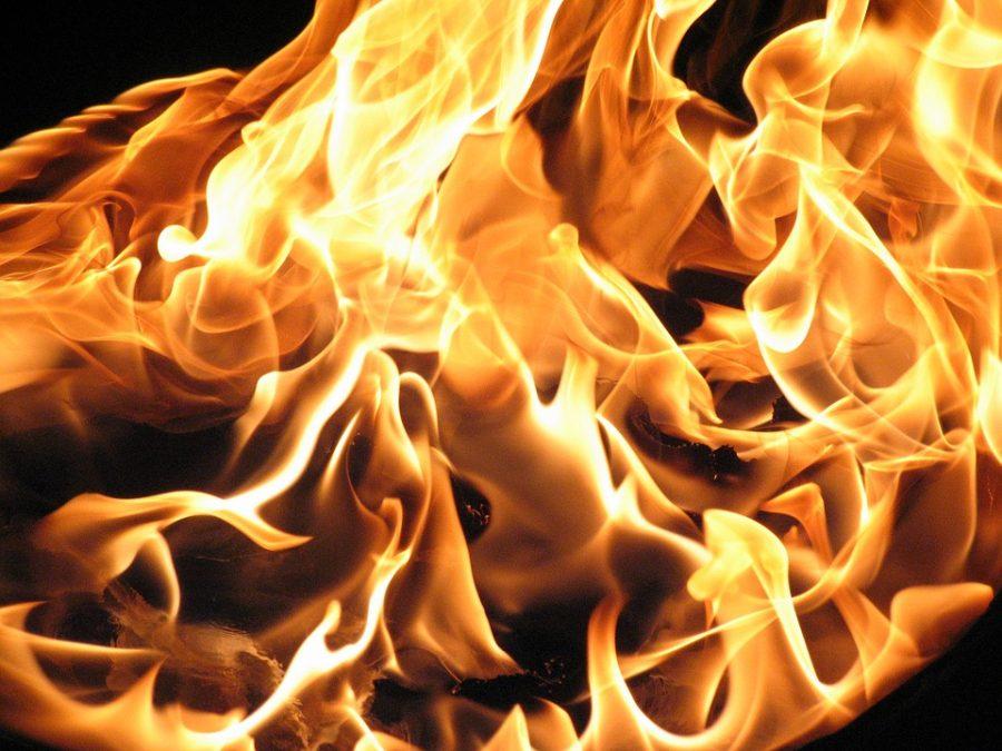 Под Кемеровом целый час тушили пожар
