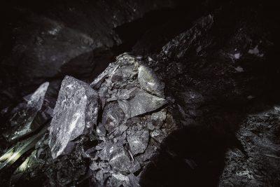 Кузбассовец жестоко убил мать из-за просыпанного угля