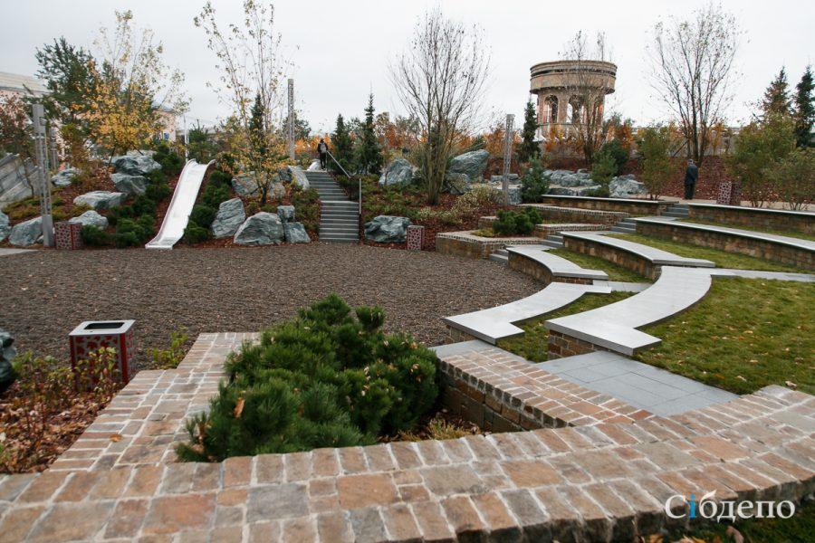 Как выглядит сквер на месте «Зимней вишни»