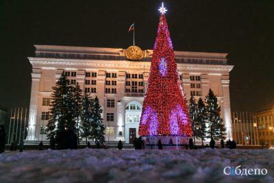 Поставщик объяснил стоимость кемеровской ёлки за 18 млн рублей