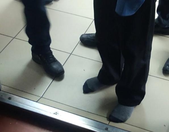 Стало известно, чем закончилась история со школьником в носках в Кузбассе