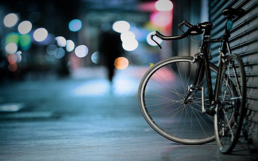 В Новокузнецке водитель автомобиля сбил велосипедиста