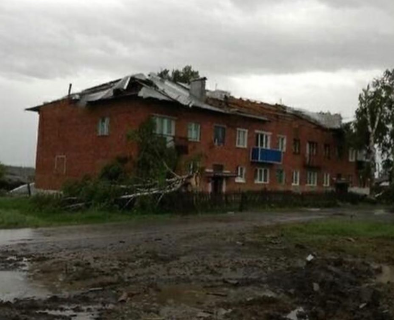 Ураган в Кузбассе оставил без крыш 147 домов