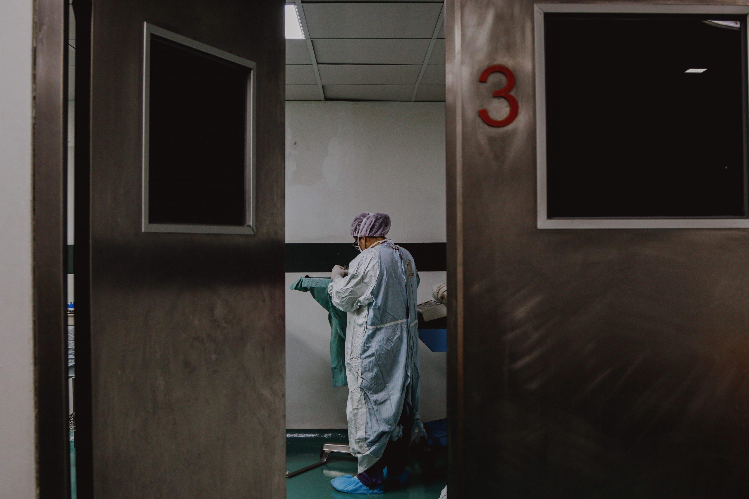 Людям страшно, но приходится лечить на дому»: ещё три монолога врачей о  пандемии • Чтиво • Сибдепо